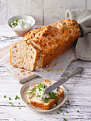Autumnal onion bread with wheat beer and ham