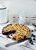 Blueberry pie with a yoghurt and vanilla sauce