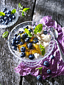 Goat's cheese with blueberries, honey and mint