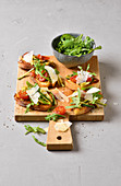 Ciabatta French toast with courgette, rocket, tomatoes and Parmesan cheese