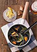 Mussels in a vegetable beer broth