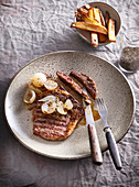 Perfect beefsteak with shalots