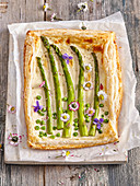 Pie with cottage cheese and asparagus
