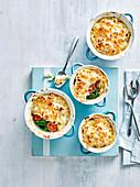 Makkaroni mit Käse und Gemüse
