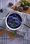 Vegan purple mashed potatoes from the potato variety 'Blue Congo'