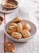 Pogatschen (salty yeast pastries, Balkans)