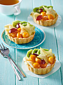 Glutenfreie Torteletts mit exotischen Früchten