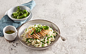 Pea risotto with chicken