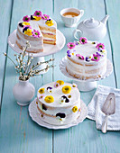Spring cakes with edible flowers