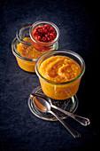 Pastinaken-Möhren-Püree mit Paprika-Tomaten-Kompott