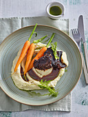 Veal cheeks in wine with fennel puree