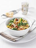 Pasta mit Wurstbrät und Broccoli