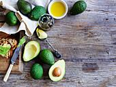 Avocados und Olivenöl