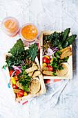 Grünkohl-Linsen-Salat mit Tempeh Cracker