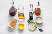 Verschiedene Öl- und Essigsorten