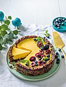 Creamy cheesecake with fruit cake crumb