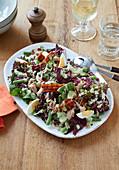 Bistro-Salat 'Nizza' mit krossem Speck und Thunfisch