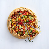 Colourful tomato tart with herb cream cheese