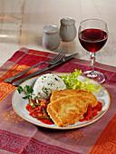 Süßkartoffel-Balkanschnitzel mit Tomaten-Ajvar-Sauce