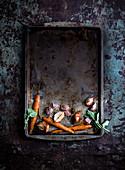 Gebratenes Gemüse auf Ofenblech