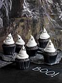 Gruselige Gespenster-Muffins für Halloween