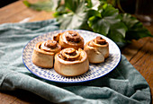 Cinnamon Roll Express - Step by step