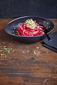 Kohlrabi and beetroot spaghetti