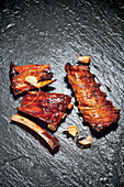 Baby Back Ribs mit Spicy Stout BBQ Sauce