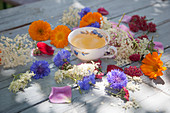 Flower tea and edible flowers