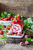 Strawberry icecream cake