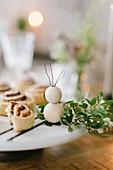 DIY-Osterhase aus Holzkugeln und Draht