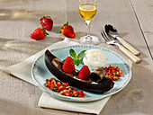 Grilled banana gondolas with chocolate and strawberry salsa