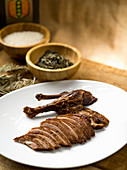 Duck smoked with tea leaves (China)