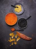 Verschiedene Kaviarsorten und Bottarga