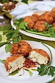 Bocconcini di ricotta (Fried Italian mozzarella appetizers)