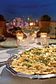 Farfalle con salsa al limone (pasta in lemon sauce, Italy)