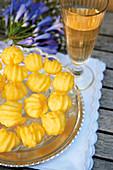 Sgonfiotti alla gruviera (Italian choux pastry balls with Gruyère)