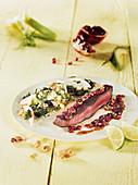 Flanksteak Fingers am Spieß aus dem Beefer mit Superfood-Salat