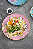 Chow-mein noodles with stir-fried Chinese vegetables and egg pudong