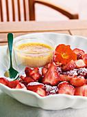 Crème brûlée with marinated strawberries
