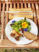 Flieten (fried chicken wings from Trier) with a summer salad