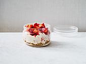 Strawberry cheesecake oats