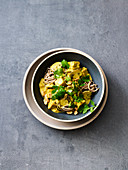 Yellow tempeh curry with mushrooms