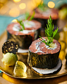 Maki with salmon and caviar
