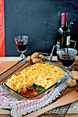 Minced meat and spinach bake with mozzarella