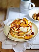 Basic pancakes with caramelized apples