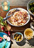 Apfel-Radieschen-Remoulade zum Mittsommerfest in Schweden