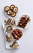 Tiramisu-Variationen - Roulade, Tarteletts, Cannolli, Pralinen und Creme