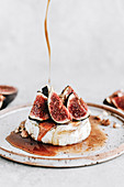 Baked camembert with figs and honey
