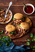 Pulled pork burgers with pickled and fresh vegetables